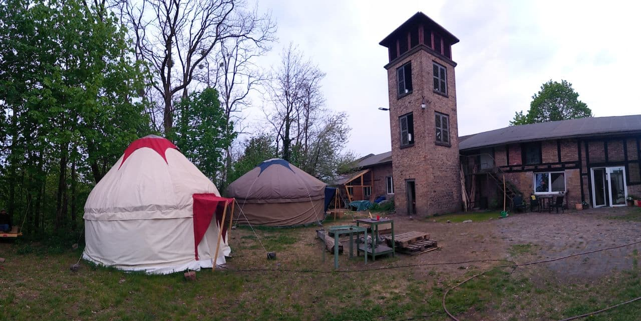 WirtschaftsWandelWalz-The-Red-Tent-Company3